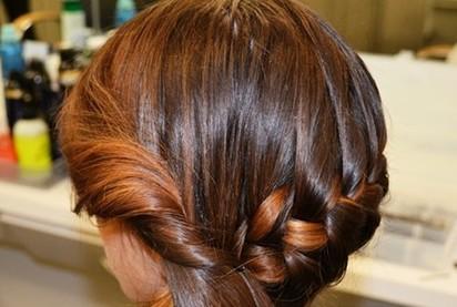 5步简单步骤教你新娘编发盘发发型