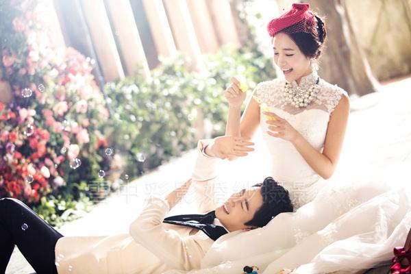 短发南京新娘拍结婚照秘诀