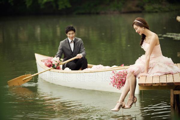 海边婚礼搭配唯美婚纱